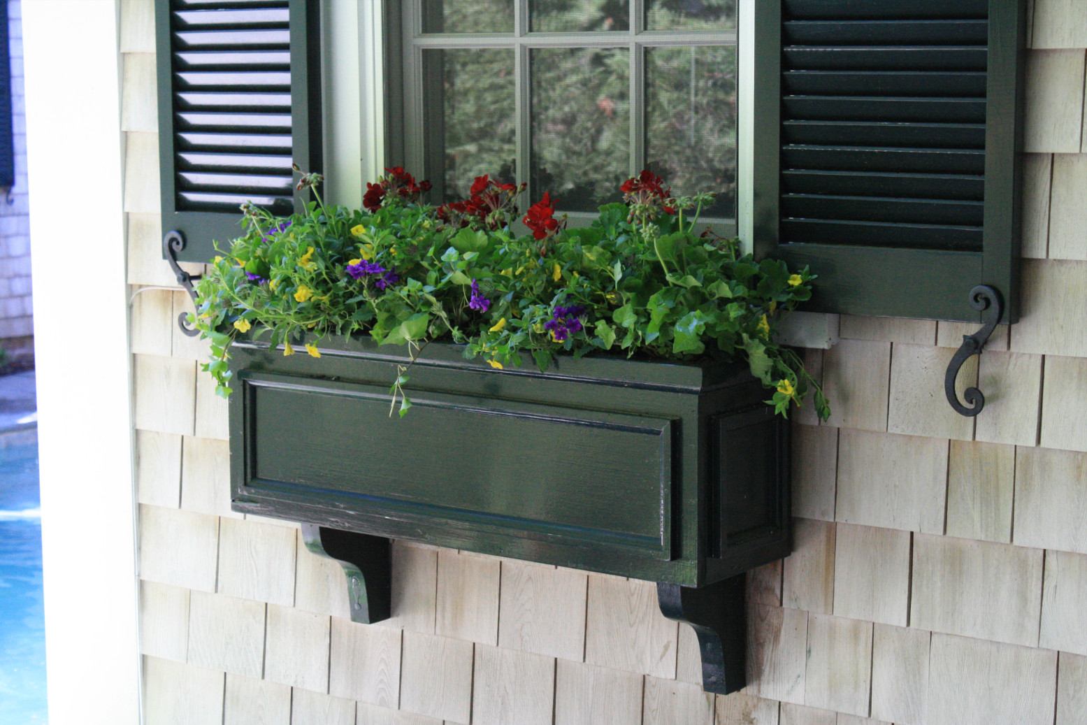 planters-window-boxes-marthas-vineyard
